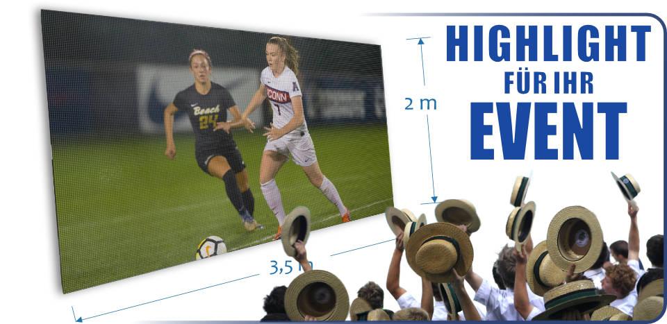 Bild von LED Großanzeige mit Publikum. LED Videowall FY5S-728-416-RGBFC-SYNC.